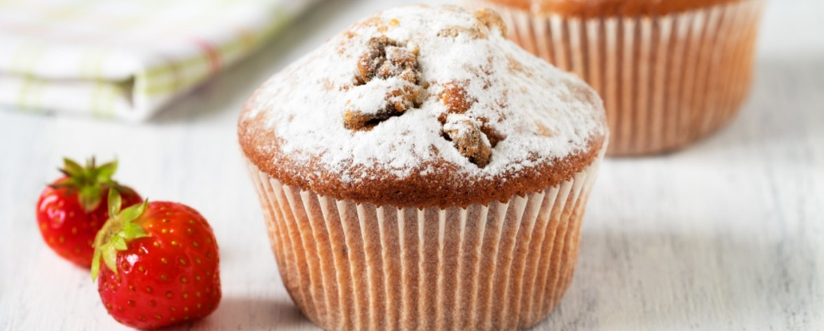 Muffin con pepite colorate di cioccolato al latte